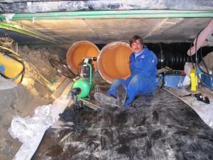 Montage Frank kunststof buis, afzuig leiding ondergronds.