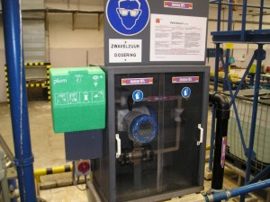 zwavelzuur installatie, zwavelzuurdosering. H2So4 installatie, pvdf, zwavelzuurleiding
