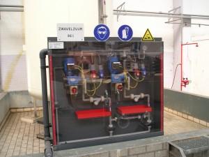 Zwavelzuur installatie, 96%, pomp, kast, doseer installatie, H2SO4